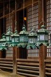 在Kasuga-taisha寺庙,奈良的灯笼在日本 免版税库存照片