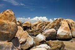 在Ke Ga海滩, Binh Thuan,越南的岩石 免版税库存照片