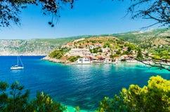 在Kefalonia海岛上的Assos在希腊 免版税库存图片