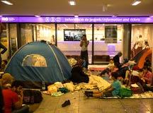 在Keleti火车sta的地下部分的难民营 库存照片
