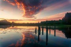 在Kenozero湖的日落 免版税库存照片