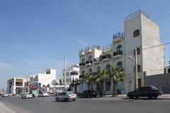 在Khalij-e Fars街道上的英国殖民地建筑学在布什尔市或者Bushire,伊朗 免版税库存图片
