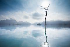 在Khao Sok国家公园,泰国的日出 库存图片