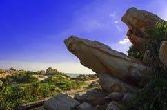 在Khe Ga灯塔附近的大石头。 免版税库存图片