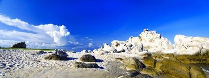 在Khe Ga灯塔附近的岩石风景。 免版税库存照片
