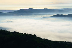 在Khohong小山的雾 库存照片