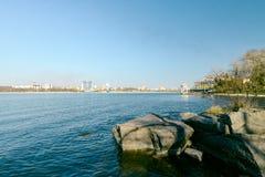 在Khortytsya海岛上的海岸  免版税库存图片