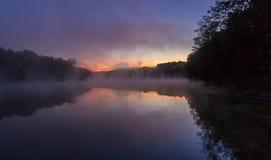 在Kincaid湖的日出 库存照片