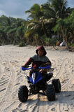 在Klayar海滩的Vacatin, Pacitan 免版税库存照片