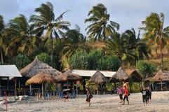 在Klayar海滩, Pacitan的假期 免版税库存照片