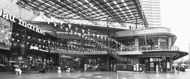 在Kluaynamthai路,曼谷泰国, 2017年12月16日的商城 库存照片