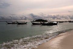在KO LIPE的日出海滩国家公园11月2014年, Tarutao 图库摄影