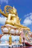 在ko samui海岛,泰国上的大菩萨雕象 免版税库存图片