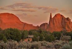 在Kodachrome国家公园红色岩石的日落  图库摄影