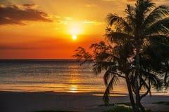 在kona的日落海滩 库存照片