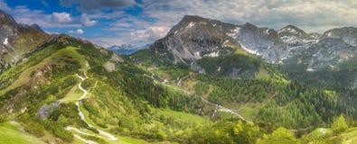 在Konigssee湖,贝希特斯加登附近的琴纳山 免版税库存照片