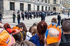 在Koninginnedag的皇家卫兵2013年 免版税库存照片