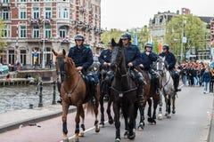 在Koninginnedag的马警察2013年 图库摄影