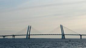 在Korabelny航路的缆绳被停留的桥梁 西部高速直径 圣彼德堡 俄国 影视素材