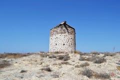 在Kos海岛上的老希腊风车 免版税库存照片