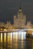 在Kotelnicheskaya堤防的高大厦在莫斯科 免版税库存照片
