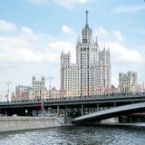 在Kotelnicheskaya码头的莫斯科高层建筑物2011年 免版税库存照片