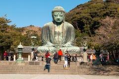 在Kotoku在寺庙的Daibutsu雕象;阿弥陀佛巨大的室外古铜色雕象  免版税库存图片