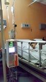在KPJ Ampang Puteri医院病房室的病的孩子 免版税库存照片