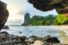 在Krabi泰国的Railay海滩 聚会所 库存图片