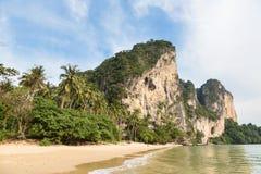 在Krabi附近的惊人的风景在南泰国 免版税库存照片