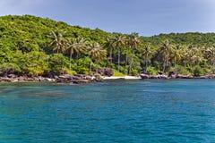 在Krabi,泰国使热带海岛安达曼海环境美化 免版税库存图片