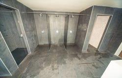 在Kranevo,保加利亚淋浴客舱在旅馆的温泉中心 图库摄影