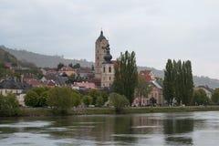 在Krems附近的一个小镇在多瑙河 免版税库存照片