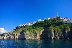 在Krk海岛上的Vrbnik 免版税库存照片