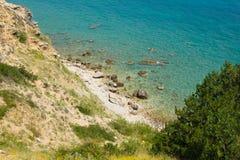 在Krk,克罗地亚海岛上的一个海滩  库存图片