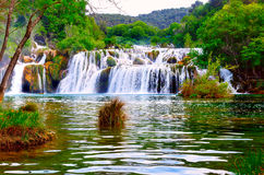 在Krka国民的瀑布 免版税库存图片