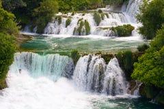 在Krka河的瀑布。国家公园,达尔马提亚,克罗地亚 免版税库存图片