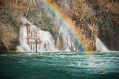 在Krka瀑布的彩虹 免版税库存照片