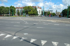 在Krolowej Jadwigi街道上的连接点在波兹南,波兰 免版税库存照片