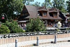 在Krupowki的传统建筑在扎科帕内 免版税图库摄影