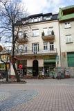 在Krupowki的连栋房屋在扎科帕内,波兰 免版税库存照片