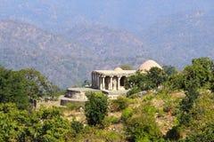 在kumbhalgarh堡垒的老印度教寺庙 库存照片