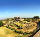 在kumbhalgarh堡垒的老印度教寺庙 免版税库存图片