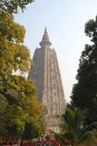 在Kutagarasala Vihara,毗舍离的阿南达Stupa和Asokan柱子, 免版税库存图片