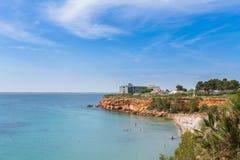 在L ` Ampolla,卡塔龙尼亚,西班牙附近的海滩盖帽罗伊格 库存照片