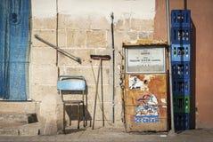 在la瓦莱塔老镇街道马耳他的葡萄酒减速火箭的设计 免版税图库摄影