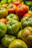 在La Boqueria的水果和蔬菜摊位, 免版税库存图片