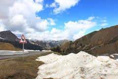 在La Casse déserte, Queyras自然公园,法国的雪余下 库存图片