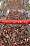 在La Cursa de la Merce起始时间的赛跑者  免版税图库摄影