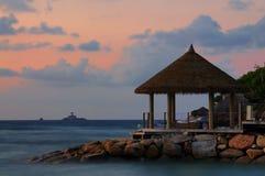 在la digue塞舌尔群岛的惊人的日落 库存图片
